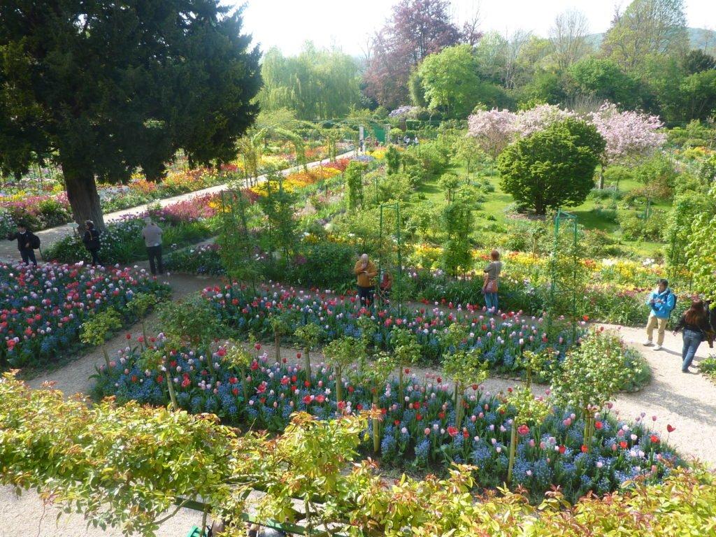 Giverny il giardino di monet al tempo delle ninfee elle - Giardino delle ninfee ...
